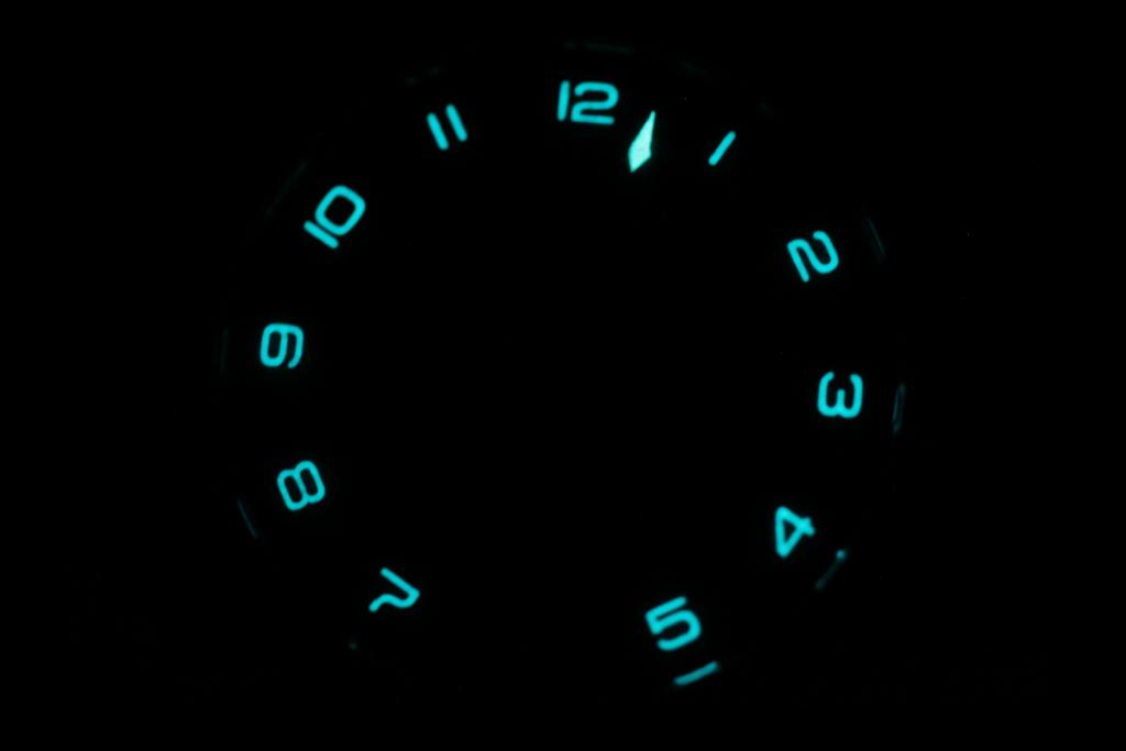 SNGLRTY OHI4 Featuring Swiss SuperLuminova Grade X1 In The Dark