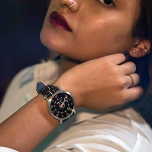 Woman wearing SNGLRTY Watch OHI2