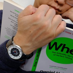 SNGLRTY owner reading a book showcasing his OHI4