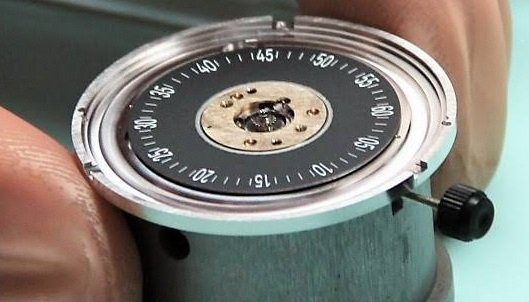 snglrty watch movement under final quality control